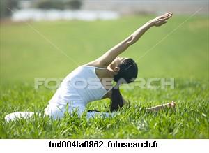 yoga-femme-yoga_~tnd004ta0862